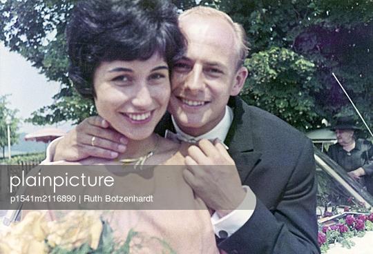 Happy bride and groom - p1541m2116890 by Ruth Botzenhardt
