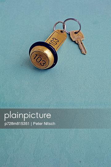 Hotelschlüssel - p728m815351 von Peter Nitsch
