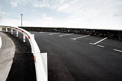Parkplatz in der Nähe von Santa Cruz auf der Kanareninsel La Palma - p1162m1461818 von Ralf Wilken