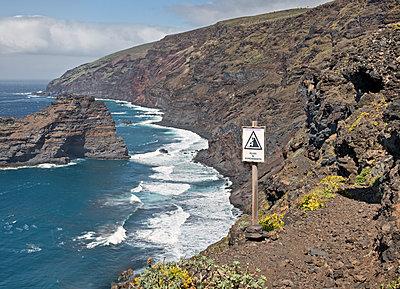 Gefährlicher Wanderweg auf La Palma - p342m1514865 von Thorsten Marquardt