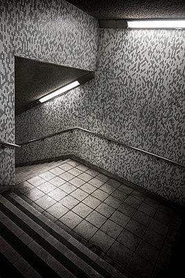 U-Bahnstation - p1280m1149850 von Dave Wall