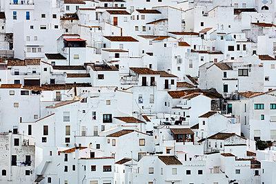Weiße Stadt in Andalusien - p719m1559491 von Rudi Sebastian