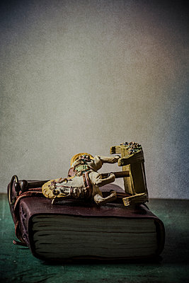 Rocking horse model over an old diary  - p794m1026545 by Mohamad Itani