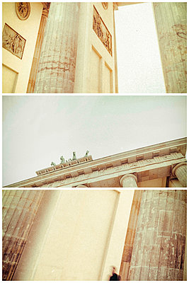 Germany, Berlin, Brandenburger Tor, partial views - p300m1153900 by Christine Müller