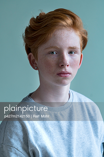 Red-haired girl - p427m2142150 by Ralf Mohr