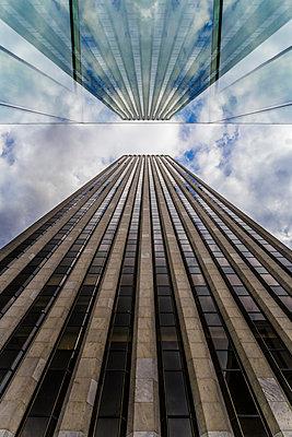 Wolkenkratzer - p1280m1091609 von Dave Wall