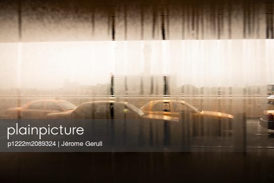 p1222m2089324 by Jérome Gerull
