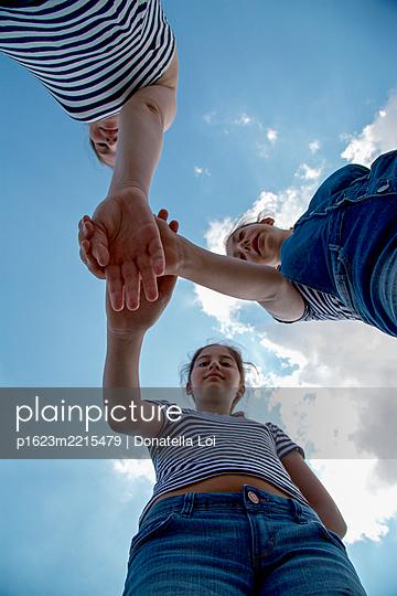 Schwestern - p1623m2215479 von Donatella Loi