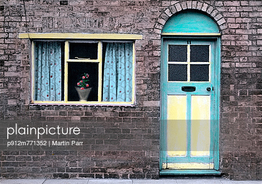 Arch - p912m771352 by Martin Parr