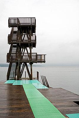 Diving board - p718m1000402 by Arne Landwehr