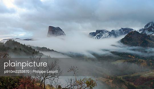 Mont Aiguille - p910m2233870 by Philippe Lesprit