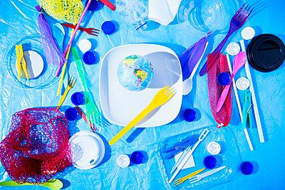 Plastic waste - p1149m2092433 by Yvonne Röder