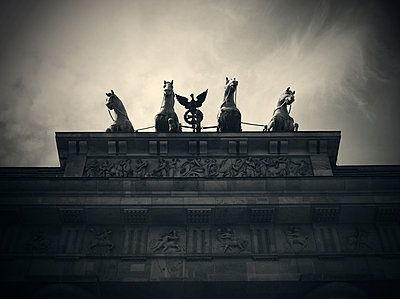 Brandenburg Gate Quadriga - p1072m941447 by Neville Mountford-Hoare
