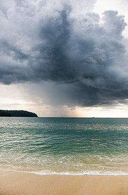 Tropischer Sturm, Langkawi, Malaysia - p1202m1061228 von Jörg Schwalfenberg
