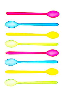 Transparent plastic disposable spoons - p1302m2045579 by Richard Nixon