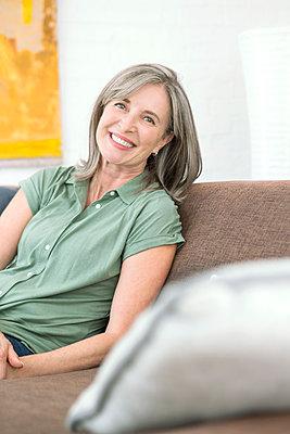 ältere Frau - p1156m1591768 von miep