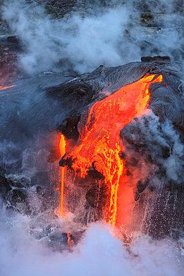 Kilauea Lava Flow, Kalapana, Big Island, Hawaii, USA - p429m802371 by Cultura