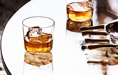 Whiskey with ice cubes - p1397m2076466 by David Prince
