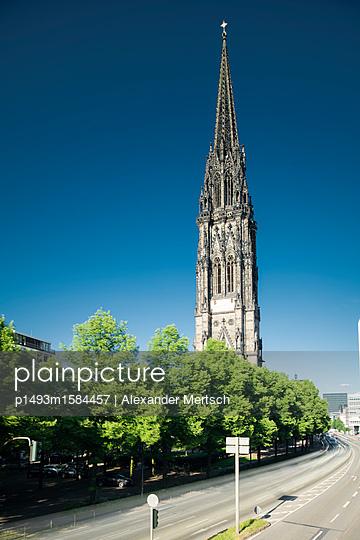 p1493m1584457 by Alexander Mertsch
