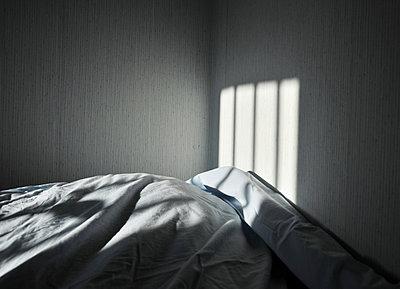 Bedroom - p1153m951509 by Michel Palourdiau