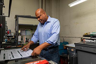 Print Shop Supervisor - p300m2242926 von Ian Spanier