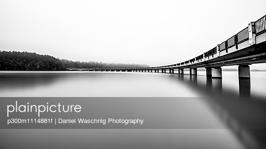 Austria, Carinthia, lake and bridge, panorama, black and white - p300m1114881f by Daniel Waschnig Photography