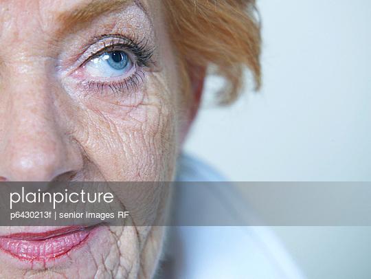 Gesicht einer aelteren Frau  - p6430213f von senior images RF