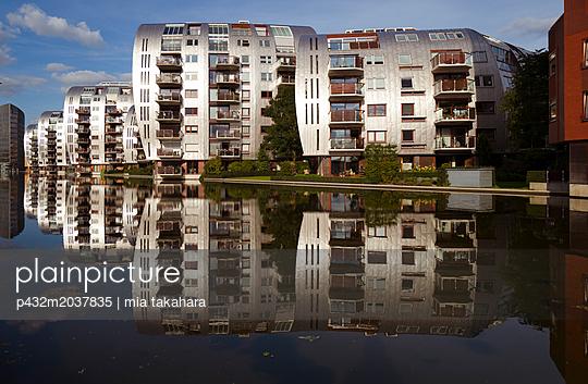 Häuser im Paleiskwartier - p432m2037835 von mia takahara