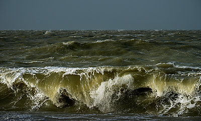 Northsea waves - p1132m1124879 by Mischa Keijser