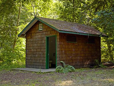 State parks toilet - p6900022 by John-Paul Jespersen
