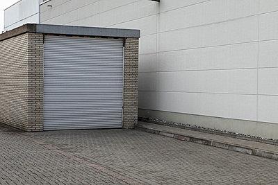 Garage - p0420407 by Mathew Bauer