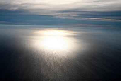 Sonnenuntergang über der Nordsee - p1258m1067936 von Peter Hamel