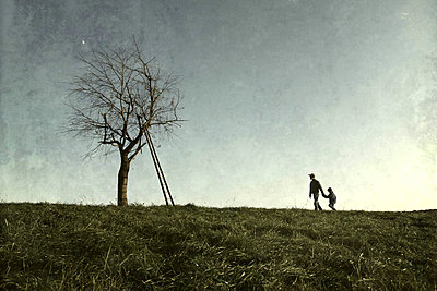 Going for a walk - p1019m2148285 by Stephen Carroll