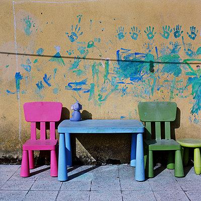 Kindergarten - p453m1020310 by Mylène Blanc