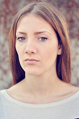 Beautiful young woman - p577m1025936 by Mihaela Ninic