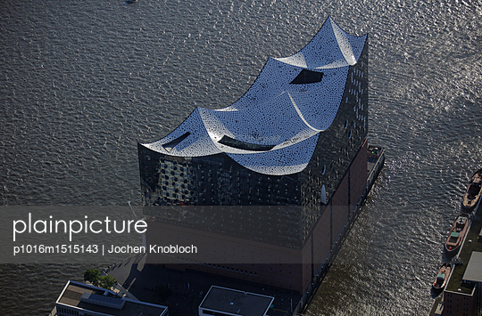 Elbe Philharmonic Hall - p1016m1515143 by Jochen Knobloch
