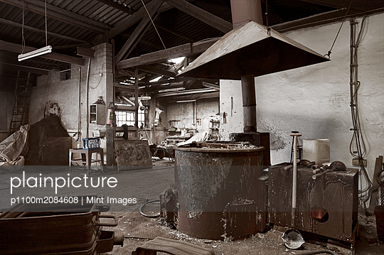 Empty dilapidated casting metalwork workshop,Bonn, Bonn, Germany - p1100m2084608 by Mint Images