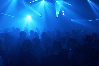 Menschen im Club - p1613m2181893 von pohlit
