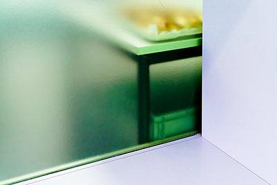 Tisch - p979m1444909 von Martin Kosa