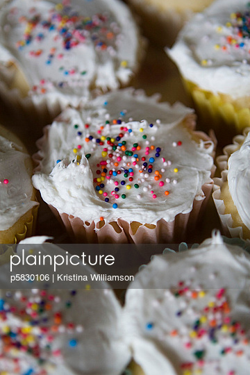 Sweet little cakes - p5830106 by Kristina Williamson