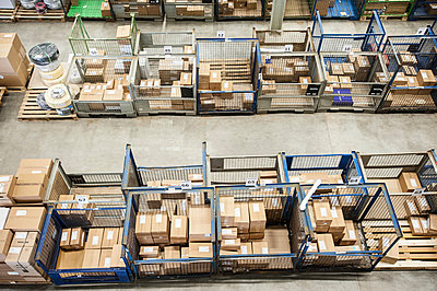 Assembled orders in distribution warehouse - p429m803066f by Arno Masse