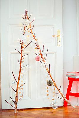 Christmas star - p432m1093957 by mia takahara