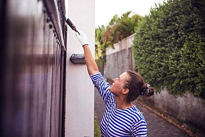 Den Zaun streichen - p1108m1007940 von trubavin