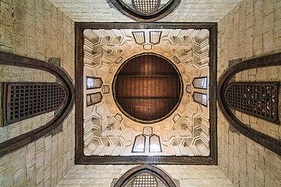 Decke im Mausoleum von al-Mansur Qalawun - p1332m1502893 von Tamboly