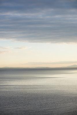Lake landscape - p1323m2015122 von Sarah Toure