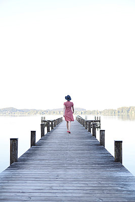 Going away - p4540829 by Lubitz + Dorner