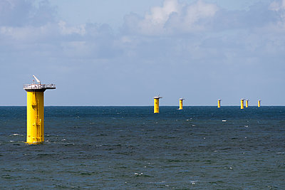 7 Transition pieces für Offshore Windpark Godewind - p1079m1092211 von Ulrich Mertens