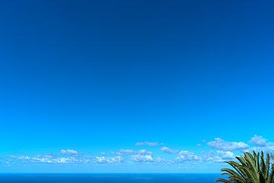 Sky over La Palma - p427m2148366 by Ralf Mohr