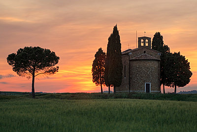 Cappella di Vitaleta - p871m838727 by Markus Lange