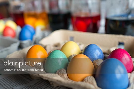 Eier färben - p305m1146290 von Dirk Morla